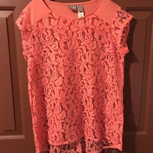 Chico's Lace Peach 🍑 colored shirt.